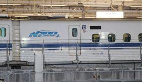 發生故障的「希望34號」列車。 翻攝《每日新聞、Yahoo!Japan》