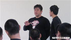 ▲日本傳奇投手野茂英雄與台灣高中生座談。(圖/記者蕭保祥攝)