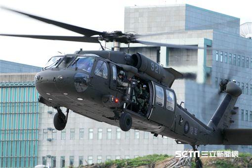 「106年第4季博愛營區直升機落地訓練」
