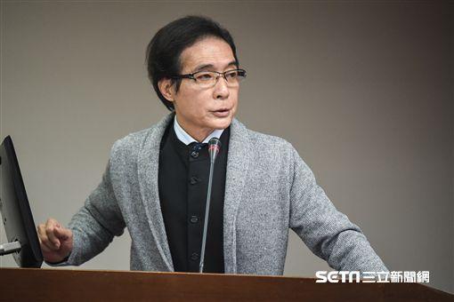 民進黨立委鍾孔炤於衛生及環境委員會質詢。 圖/記者林敬旻攝