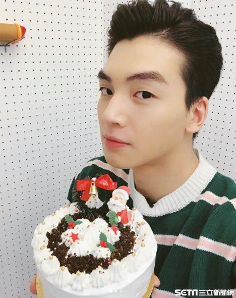 張洛偍,耶誕蛋糕,耶誕節,肌肉,暖男,天菜,鮮肉,4ever