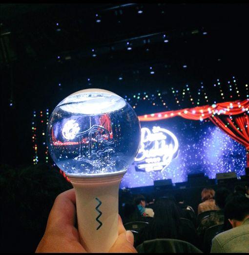 GFRIEND,應援燈(圖/翻攝自아이돌 이슈臉書)