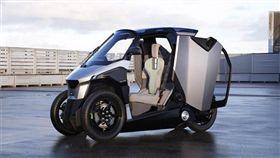 Peugeot發表一輛結合汽車與機車的Peugeot PHEV scooter。(圖/翻攝Groupe PSA官網)(圖/翻攝Groupe PSA官網)