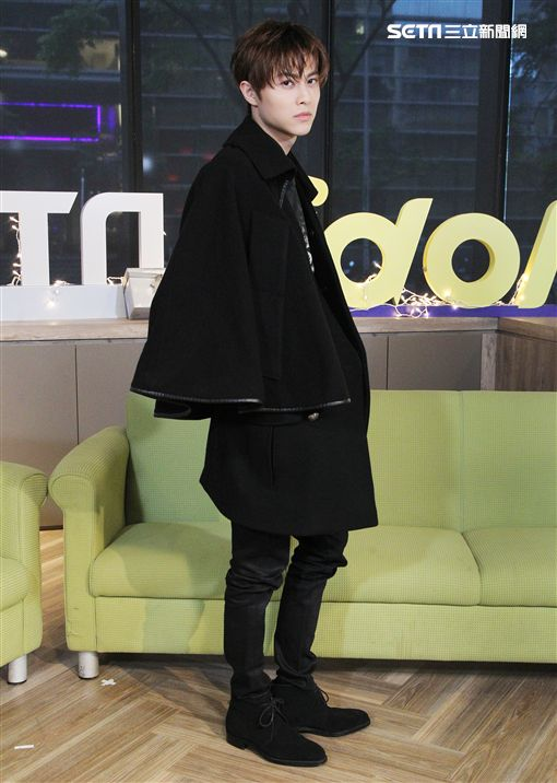 王子邱勝翊上「安安大明星」直播宣傳專輯。(記者邱榮吉/攝影)