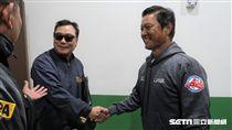 韓職聯隊總教練柳承安向林振賢致歉。(圖/記者王怡翔攝)