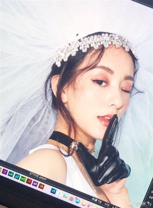 方媛 https://www.weibo.com/270255992?is_hot=1#_rnd1513487528254