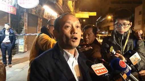 旺角警區助理指揮官鍾志明簡報案情。(圖/翻攝香港警察臉書)