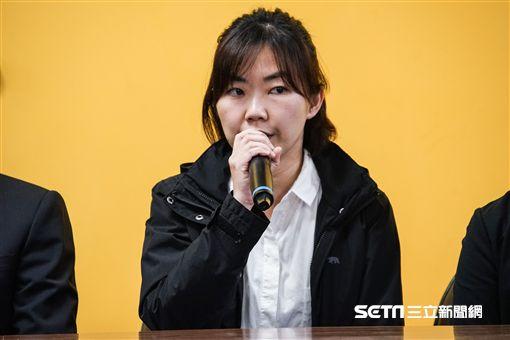 新黨林明正太太現身說明。 圖/記者林敬旻攝