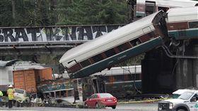 美國華盛頓州列車出軌_路透
