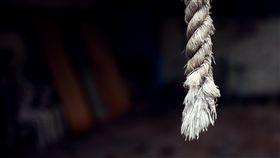 上吊,繩子,輕生,自殺,陰森(圖/pixabay)