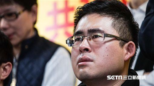 針對王炳忠等人遭搜索,新黨召開記者會說明。 圖/記者林敬旻攝