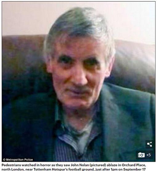 英國一名70歲老翁走在路上突然自燃身亡,嚇壞路人。(圖/翻攝Daily Mail)