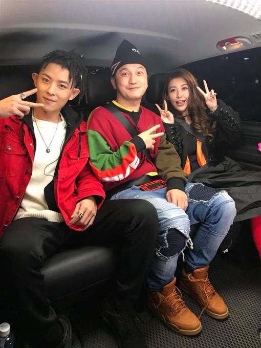 愷樂,黑蝴蝶,Chocolate,椅子舞,羅志祥,娛樂星聞/Butterfly愷樂 臉書