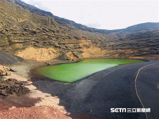 El Lago Verde 和 Timanfaya 國家公園 – 西班牙  蘭薩羅特。(圖/TripAdvisor提供)