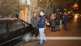 伊朗首都德黑蘭和鄰近地區20日深夜發生規模5.2地震,引發當地民眾一陣恐慌。(圖/美聯社/達志影像)