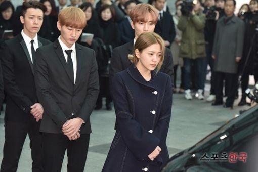 鐘鉉,Yeri,/翻攝自韓國體育