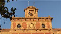 加泰隆尼亞議會改選加泰隆尼亞21日將選出新議會,根據先前媒體民意調查,支持與反對獨立兩派彼此差距不大,選後議會可能仍很分裂,不利於組成新的區政府。中央社記者曾依璇巴塞隆納攝  106年12月21日