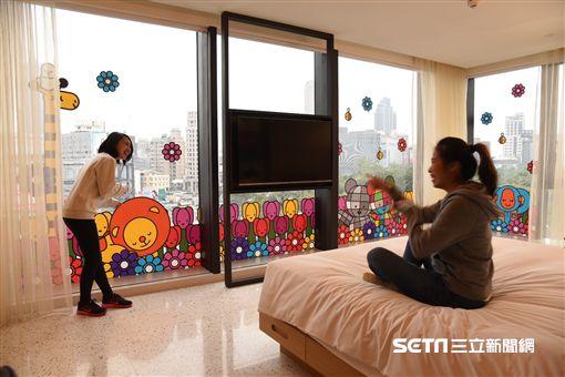高雄英迪格酒店週年慶,彩繪主題房。(圖/hotel indigo提供)