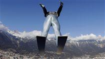 ▲德國的Markus Eisenbichler今年1月3日在第65屆跳台滑雪賽。(圖/美聯社/達志影像)