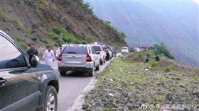 台灣旅行團在雲南遭遇翻車意外/微博
