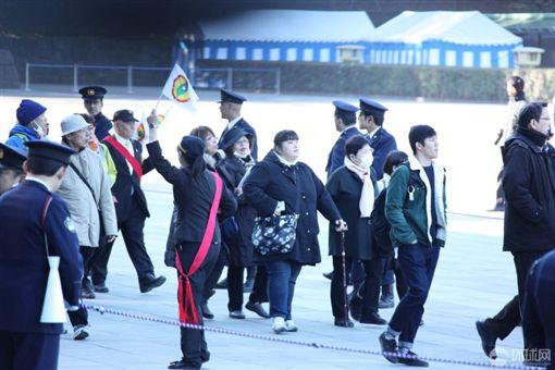 日本明仁天皇壽誕 慶典驚見「台灣民政府」旗!陸媒崩潰了圖/翻攝自陸媒環球網