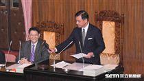 中央總預算案三讀通過,立法院長蘇嘉全落槌 圖/記者林敬旻攝