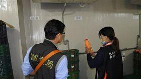 桃園衛生局稽查萇記泰安使用逾期雞蛋再製。(圖/桃園衛生局提供)