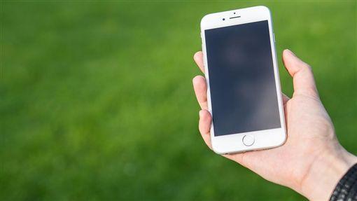 垂頭族、手機、iPhone、蘋果/pixabay