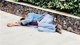 海南三亞工人遭屋主割斷安全繩 墜樓受傷/網易
