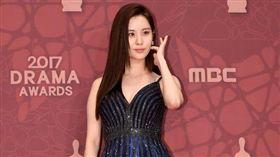 ▲徐玄出席《MBC演技大賞》。(圖/翻攝自OSEN)