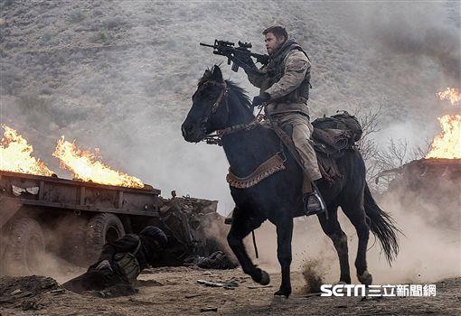電影,12猛漢,911攻擊,雷神索爾,克里斯漢斯沃,阿富汗/CATCHPLAY提供