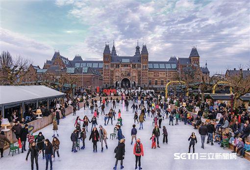 荷蘭阿姆斯特丹,戶外溜冰場。(圖/KAYAK提供)