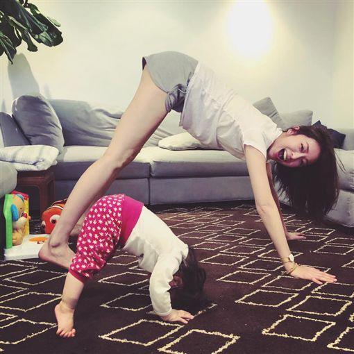 隋棠和女兒Lucy(翻攝自隋棠臉書)