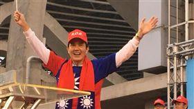 前總統馬英九赴高雄左營出席「金犬迎新活動升旗逗陣走」活動。(圖/翻攝馬英九臉書)