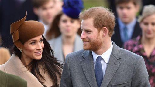 英國,哈利王子,準王妃,梅根馬克爾,經濟艙,親民,搭機,保鑣(圖/翻攝自推特@KensingtonRoyal)https://twitter.com/KensingtonRoyal