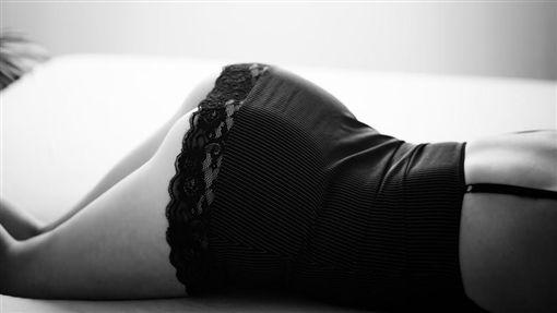 OL、性感、性侵、做愛示意圖/pixabay