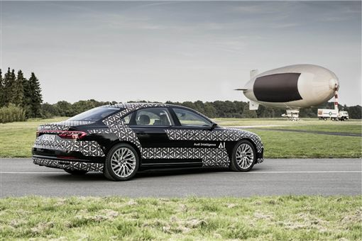 A8是首款擁有最新自動駕駛的車型。(圖/Audi提供)
