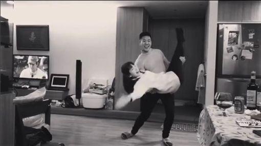 ▲許瑋甯在IG更新和表弟熱舞影片。(圖/翻攝自許瑋甯IG)