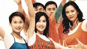 周慧敏、王馨平、湯寶如在美少女戰士的MV中又唱又跳(圖/翻攝自周慧敏臉書)