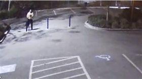 女老師開學日早到學校,竟遭壯男性侵劫財。(圖/翻攝The Mercury News)