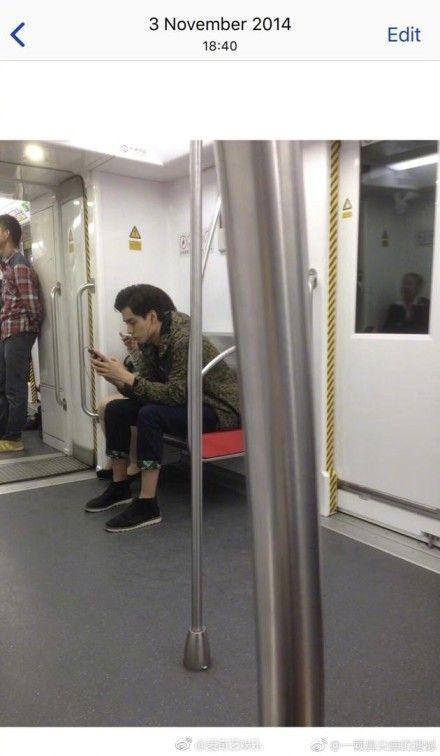 胡一天,地鐵,巧遇,致我們單純的小美好,小美好,江辰,搭訕/微博