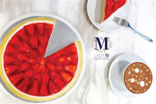 Lady M草莓季甜點,草莓千層蛋糕。(圖/Lady M提供)