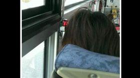 搭公車按下車鈴相當正常,但有網友搭公車時,發現每一站都有人按下車鈴,卻都沒人下車,讓司機相當生氣,其他網友看到事情真相後,紛紛笑說「我是司機的話一定火」!(圖/翻攝自PTT)