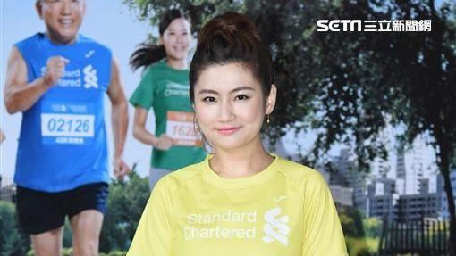 Selina出席公益馬拉松視障陪跑員訓練營,搭檔視障跑友考驗陪跑默契