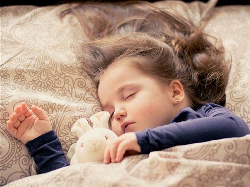 睡覺、寶寶/pixabay