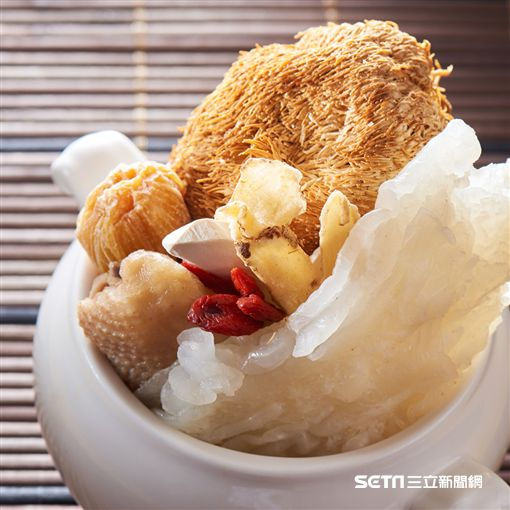 台北福華大飯店推正宗粵式煲湯。(圖/台北福華提供)