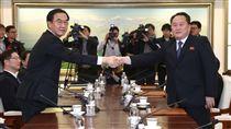 南韓,北韓,會談,板門店,握手_美聯社