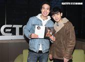 謝毅宏、郭柏傑「安安大明星」新書宣傳。(記者邱榮吉/攝影)