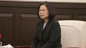 總統接見莫健(3)總統蔡英文(圖)11日在總統府,接見美國在台協會(AIT)主席莫健(James Moriarty)。總統致詞時表示,台灣將在區域穩定上持續扮演重要的角色,一起跟美國在這個區域深化合作。中央社記者徐肇昌攝 106年12月11日