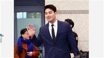 ▲朴炳鎬睽違2年回韓國。(圖/截自韓國媒體)